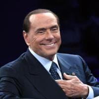 """Berlusconi a Bruxelles incontra il Ppe: """"Merkel ci sostiene con determinazione"""""""