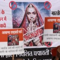 India, la storia d'amore tra una principessa indù e un sultano islamico scatena l'ira...