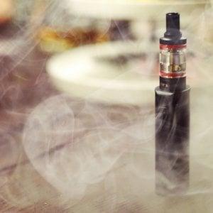 Sigarette elettroniche, prezzi alle stelle: ora i liquidi sono monopolio di Stato