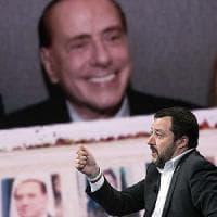 """Salvini contro Berlusconi: """"Se il 3% danneggia le famiglie per noi non esiste"""". L'ex..."""