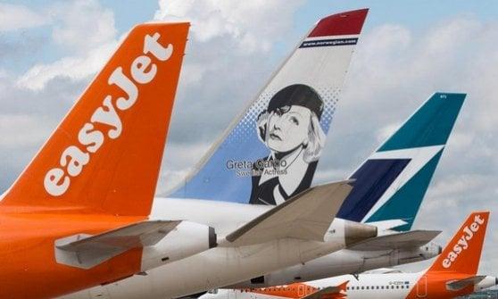EasyJet strizza l'occhio ad Alitalia. E spunta anche WizzAir