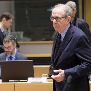 "Flat tax, Padoan: ""Proposta da fatina blu. Ecofin preoccupato per elezioni in Italia"""