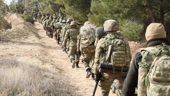 """Siria, di fronte all'offensiva turca i curdi chiamano alla """"mobilitazione in difesa di Afrin"""""""