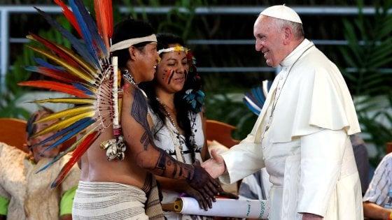Amazzonia, a vuoto l'appello del Papa. Il Perù costruirà la superstrada nel cuore della foresta
