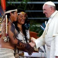 Amazzonia, a vuoto l'appello del Papa. Il Perù costruirà la superstrada