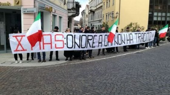 Reduci XMas accolti dal vicesindaco con CasaPound, infuria la polemica a Gorizia