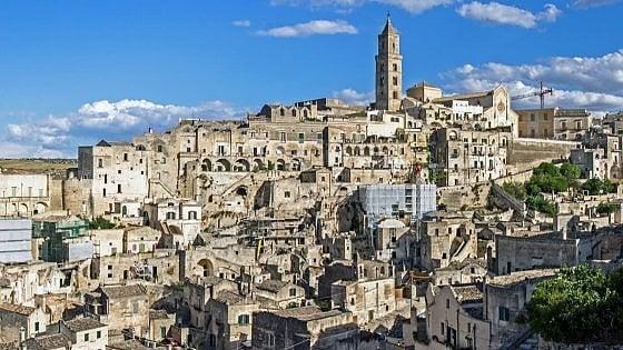 L'exploit di Matera: sassi e cultura aprono la strada a startup, industria e 800 milioni di opere