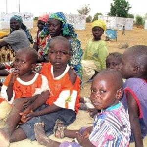 """""""Aiuta un guerriero con l'educazione"""": il dramma dei bambini senza scuole in Niger e Iraq"""