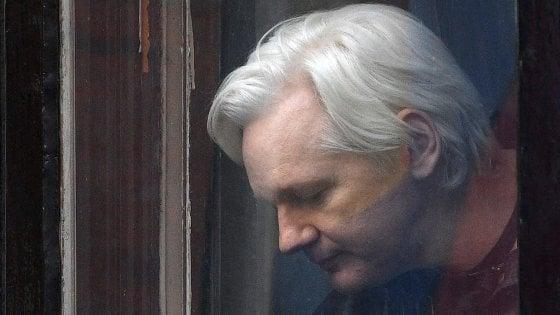 Julian Assange, chiesto annullamento del mandato di arresto britannico