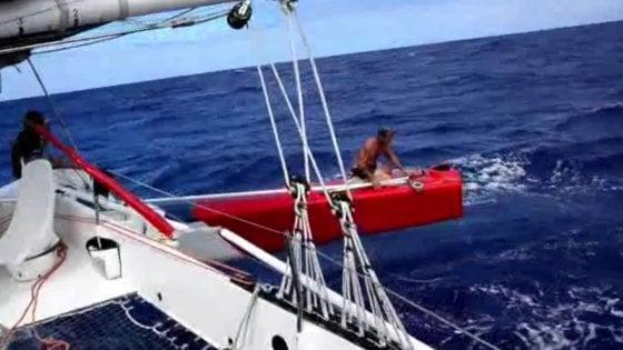 """Soldini, collisione in oceano: """"Perso un timone, ma lo abbiamo riparato e continuiamo"""""""