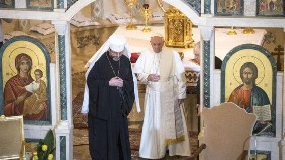 """Papa Francesco alle badanti ucraine: """"Siete eroiche, la vostra è una missione"""""""