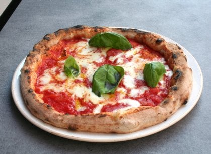 Milano, la pizzeria nella quale il conto lo scegli tu: marketing o rivoluzione?