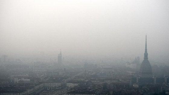 """Legambiente, allarme smog: """"Codice rosso per 39 città fuorilegge''"""