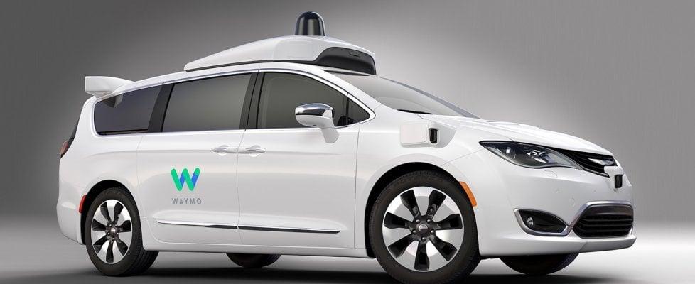 Auto a guida autonoma, ecco perché Google sceglie Fca