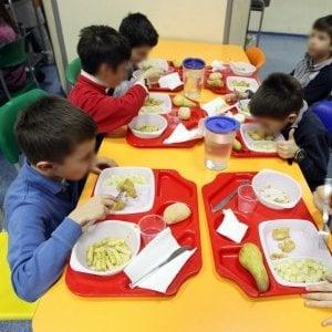 Spreco alimentare: nelle mense scolastiche un terzo del cibo va in pattumiera