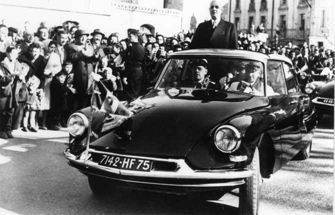 L'Aventure Peugeot Citroën DS in festa: c'è il salone Rétromobile