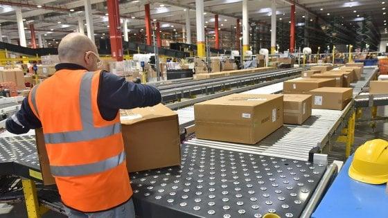 Amazon brevetta un bracciale wireless per monitorare merce e dipendenti