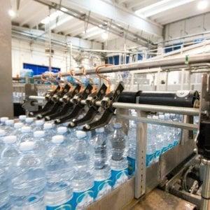 La Commissione Ue chiede nuove regole sull'acqua potabile: Possibili risparmi per 600 milioni di euro