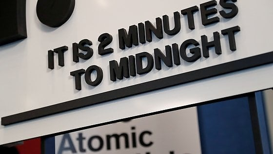 """Usa, Pentagono rilancia il nucleare: testate atomiche tattiche come """"deterrenza nei confronti della Russia"""""""