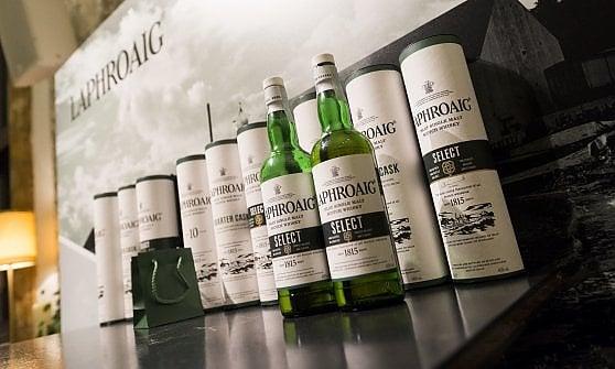 Il Whisky è un distillato nobile: ecco le 10 regole per degustarlo al meglio