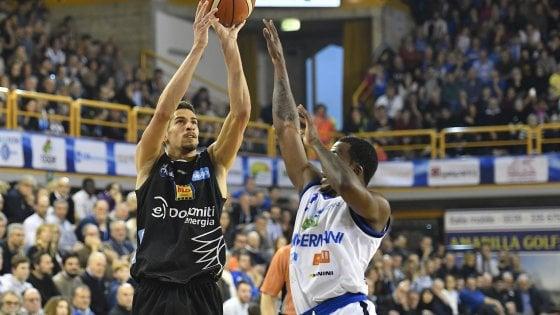 Basket, Brescia cade in casa con Trento. Milano, Venezia e Avellino la agganciano in vetta