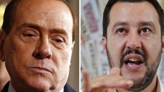 """Migranti, Berlusconi: """"600 mila da mandare via"""". Salvini: """"Italia non razzista ma servono regole"""""""
