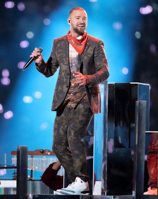 Timberlake, tributo a Prince e niente incidenti