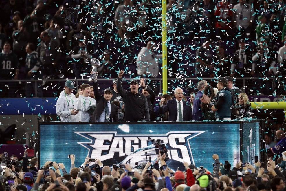 Nfl, la festa degli Eagles, la delusione dei Patriots