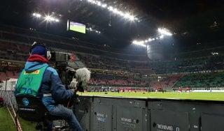 """Diritti tv, Lega A li dà a Mediapro: """"Calcio visibile su qualsiasi piattaforma"""". Ma Sky tuona: ''Offerta inammissibile''"""
