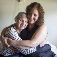 Usa, pazienti con demenza senile sedati con antipsicotici: lo scandalo nelle