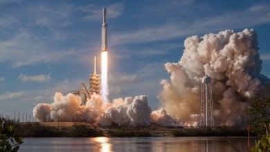 """Space X, partito il razzo di Musk:  """"Il più potente di sempre""""   video"""