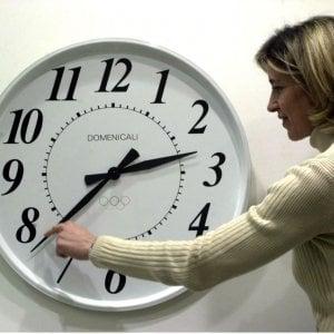 """""""L'ora legale fa male alla salute"""", ma Strasburgo boccia la proposta di abolirla"""