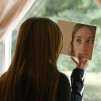 Hai l'acne? Potresti essere a rischio depressione