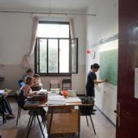 Scuola, dopo nove anni firmato nuovo contratto nazionale: aumento stipendio di 85 euro
