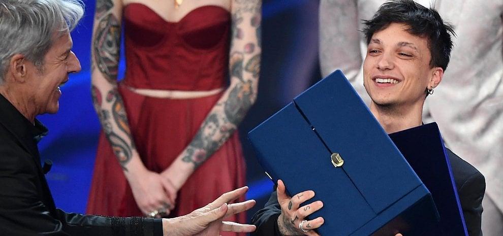 Sanremo 2018, è Ultimo il vincitore dei giovani. I duetti dei Campioni e il rock di Nannini e Pelù