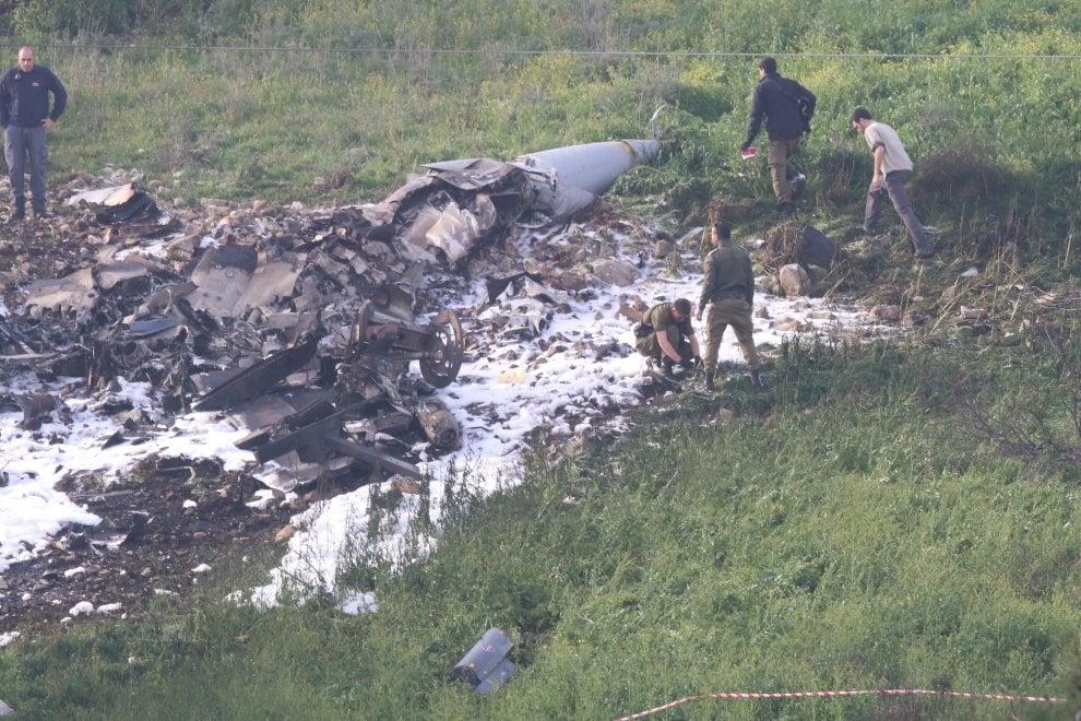 F-16 israeliano a caccia di un drone iraniano abbattuto dai siriani, salvi i piloti