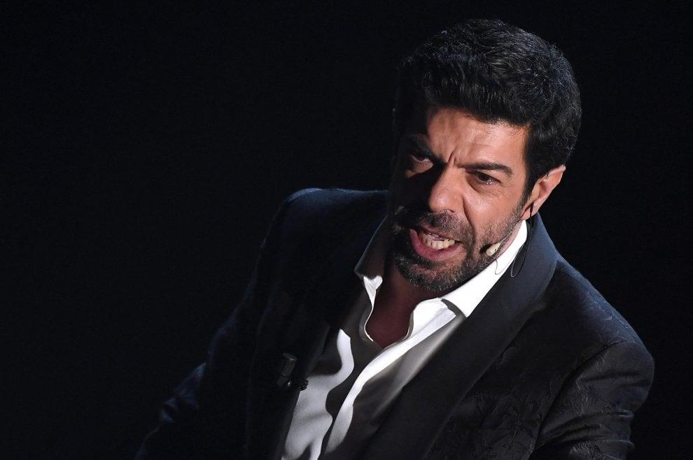 Sanremo 2018, il monologo di Favino e la voce di Mannoia per i migranti