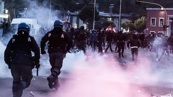 Violenza negli stadi, in Serie A aumentano feriti e arrestati. Quelle di Lazio e Napoli le tifoserie più 'agitate'