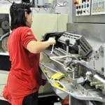 La manifattura italiana viaggia a ritmo sostenuto, l'export va meglio dei competitor Ue