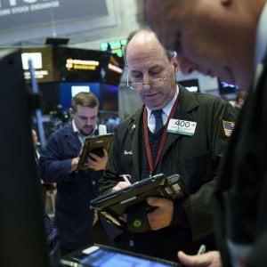 Borse in calo, rallenta anche Wall Street