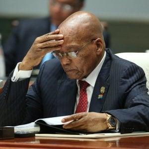 """Sudafrica, il partito a Zuma: """"Devi dimetterti"""". Ma lui non molla"""
