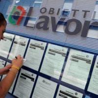 Lavoro, lotta all'evasione e limiti all'accoglienza: le priorità degli italiani e i partiti