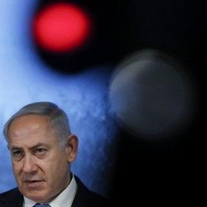 Netanyahu, la polizia: il premier deve essere incriminato