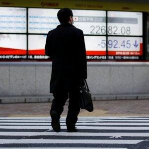 La Borsa nipponica ha perso l'11% dai picchi di gennaio, mentre Wall Street sta cercando di recuperare i 2mila miliardi di dollari bruciati la scorsa settimana