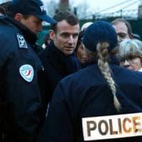 Francia, il ritorno della leva obbligatoria: toccherà anche alle ragazze