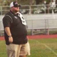 È morto il coach-eroe della strage in Florida: Aaron Feis ha fatto da scudo ai suoi...