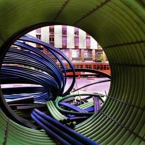 Scontro Fastweb-Open Fiber: Troppi ritardi sulla banda ultra larga
