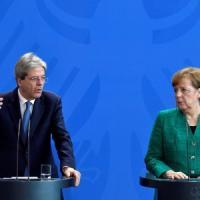 """Gentiloni a Merkel: """"In Italia nessun rischio di un governo su posizioni populiste..."""