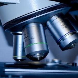 Tumore ovarico, uno studio rivela: Il rischio può essere trasmesso dal cromosoma X del padre
