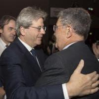 """Elezioni, Prodi sceglie Insieme e investe Gentiloni: """"Con lui Paese è più forte"""""""